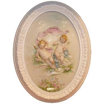 Овальное панно из фарфора «Ангелочки с розами», ручная работа